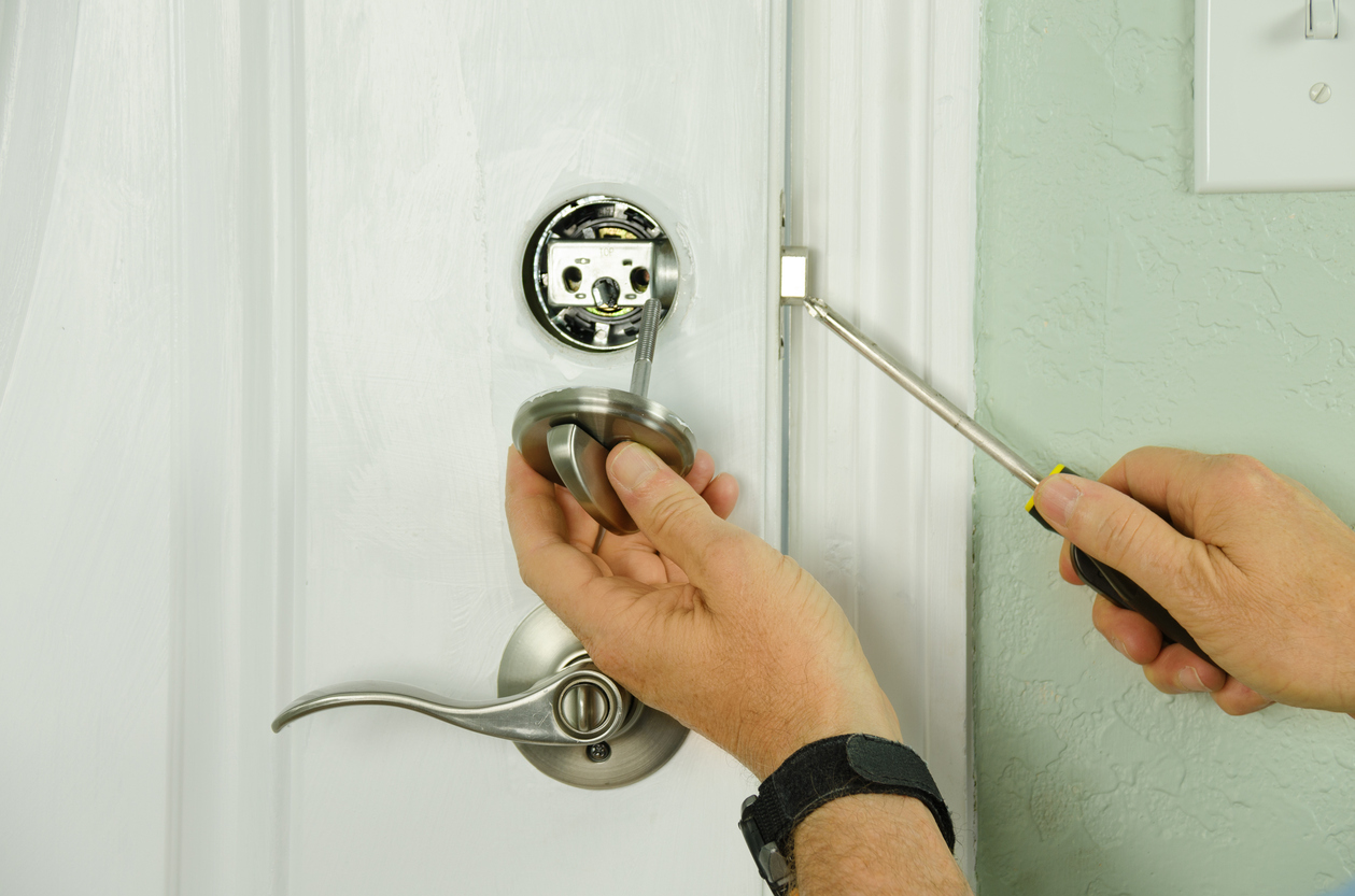 Bucks County locksmith installing door locks